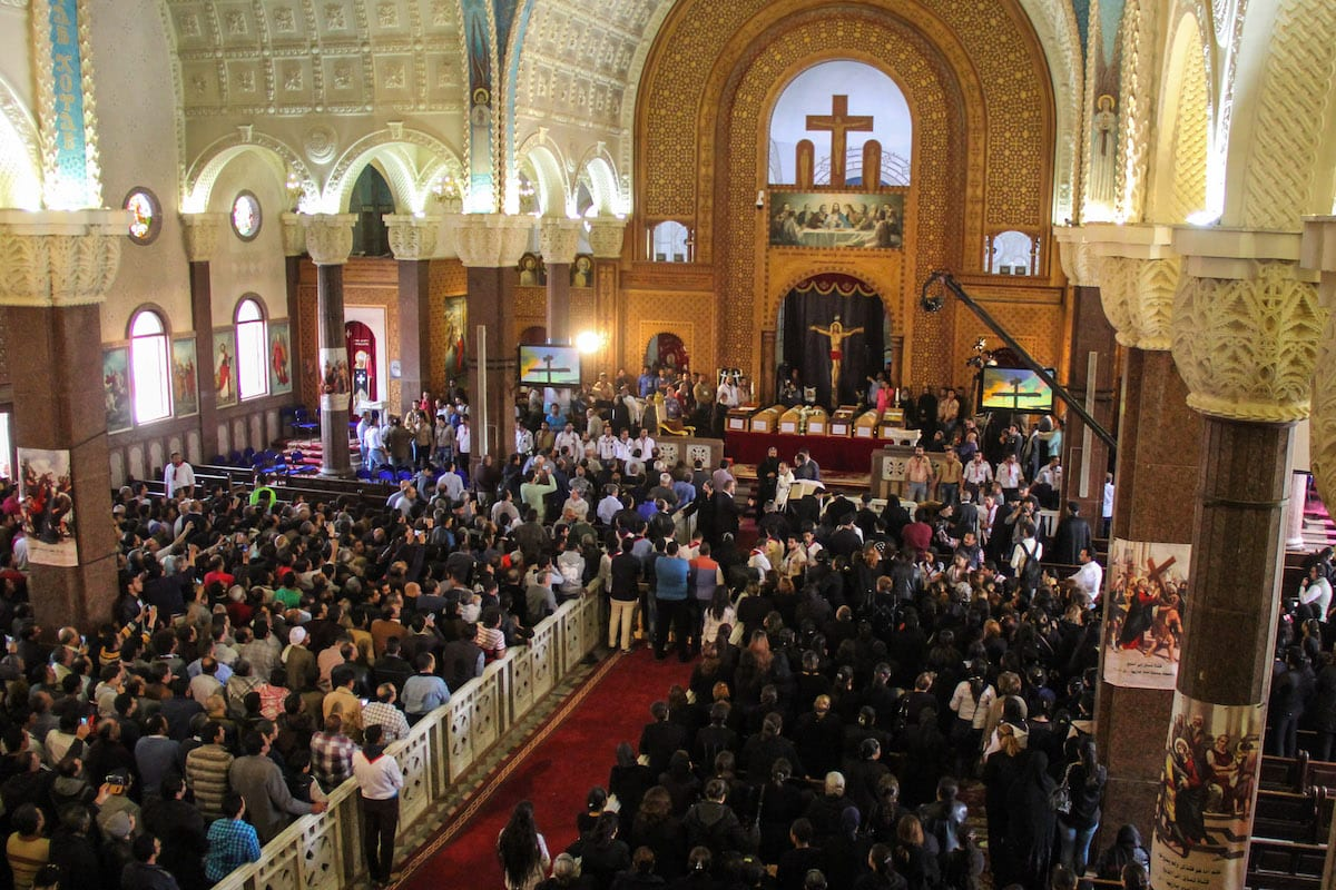 People attend the funeral ceremony for the victims of the twin bomb attacks in Alexandria, Egypt on April 10, 2017. ( Ahmed Abd Alkawey - Anadolu Agency )