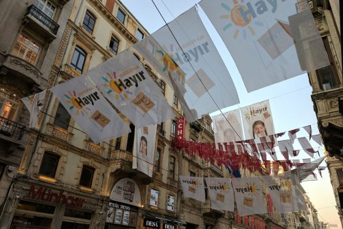"""""""No"""" banners are seen hanging outside the main CHP opposition party's building on İstiklal Caddesi, central İstanbul. on 14 April 2017. [Image by Tallha Abdulrazaq / Middle East Monitor]"""