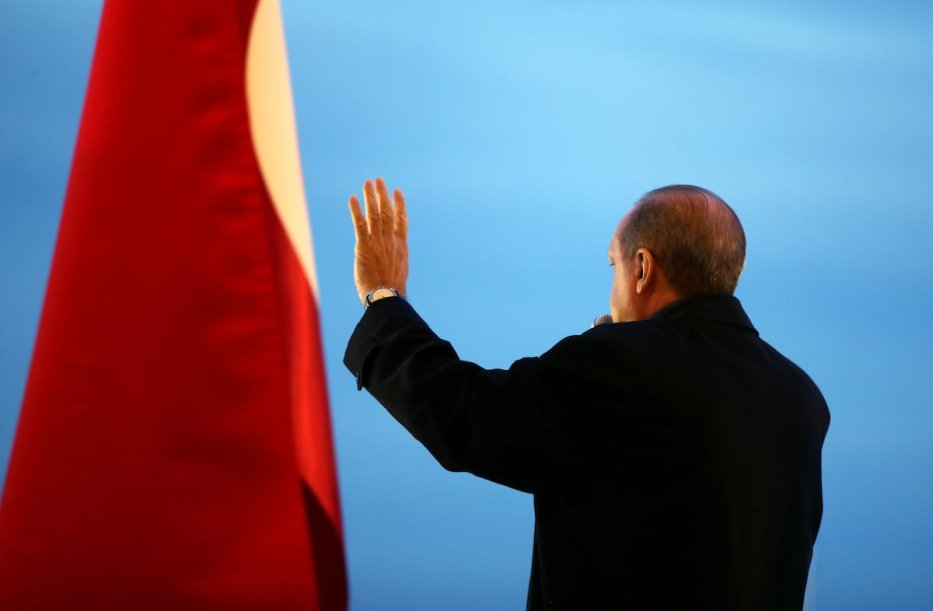 Turkish President Recep Tayyip Erdogan addresses the crowd after the results of the referendum at the Presidential Complex in Ankara, Turkey on April 17, 2017 [Kayhan Özer/Anadolu Agency]