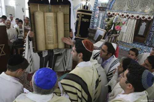 Iranian Jews attend a Shabbat service in Tehran, Iran on April 23rd 2013 [MIlad Alex/Flickr]