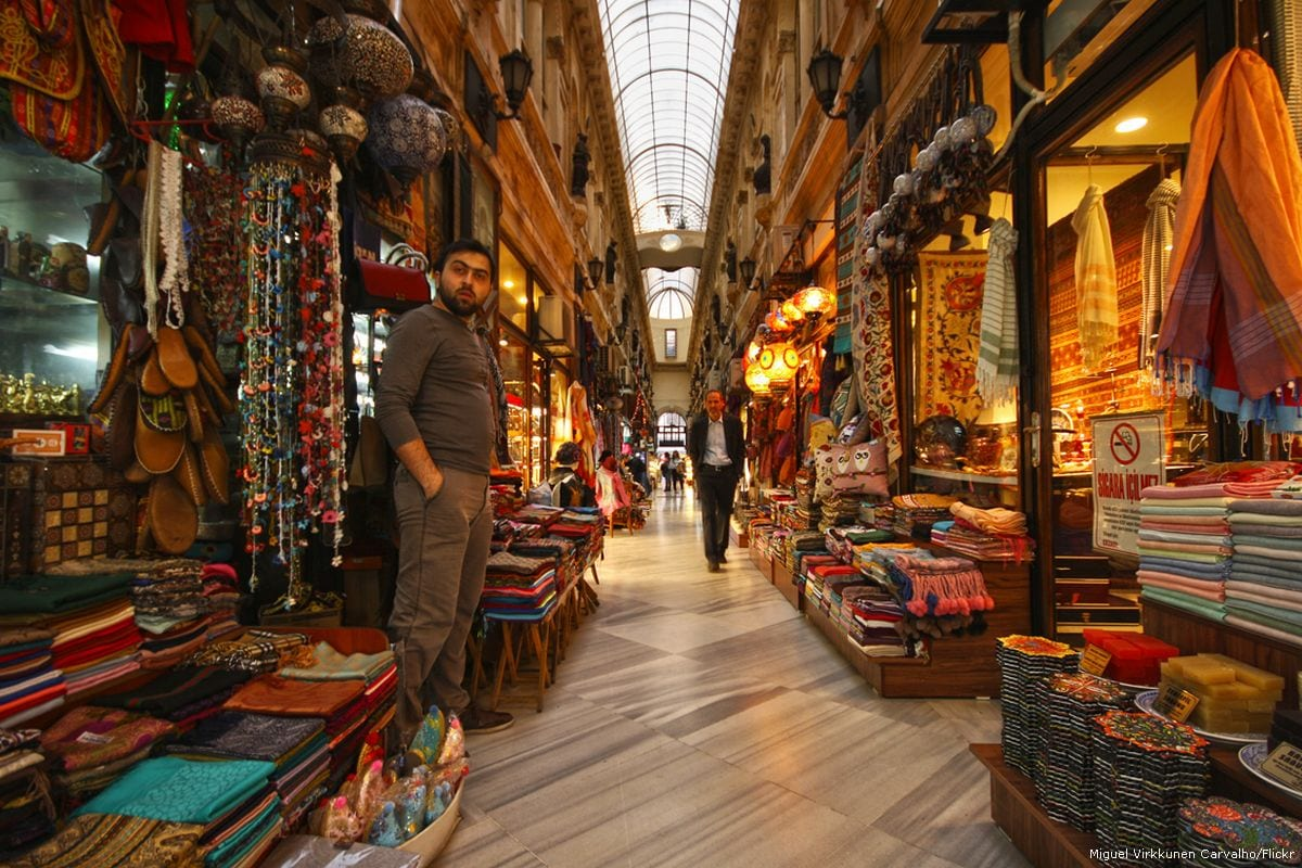 Image of an antique atrium with several shops and vendors of traditional goods in Istanbul, Turkey on 30 March 2014 [Miguel Virkkunen Carvalho/Flickr]