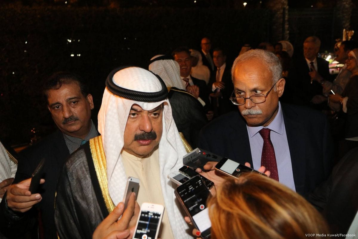 Image of Kuwaiti Deputy Foreign Minister Khaled Al-Jarallah (C) [Voop Media Kuwait/Facebook]