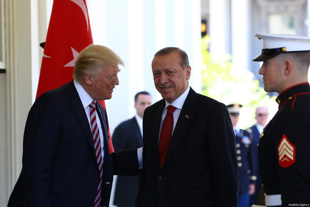 President of Turkey Recep Tayyip Erdogan (C) is welcomed by U.S. President Donald Trump (L) ahead of their meeting at the White House in Washington, United States on May 16, 2017 [Kayhan Özer / Anadolu Agency]