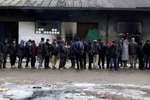 Image of refugees in Serbia on 31st March 2017 [protest_global/Twitter]