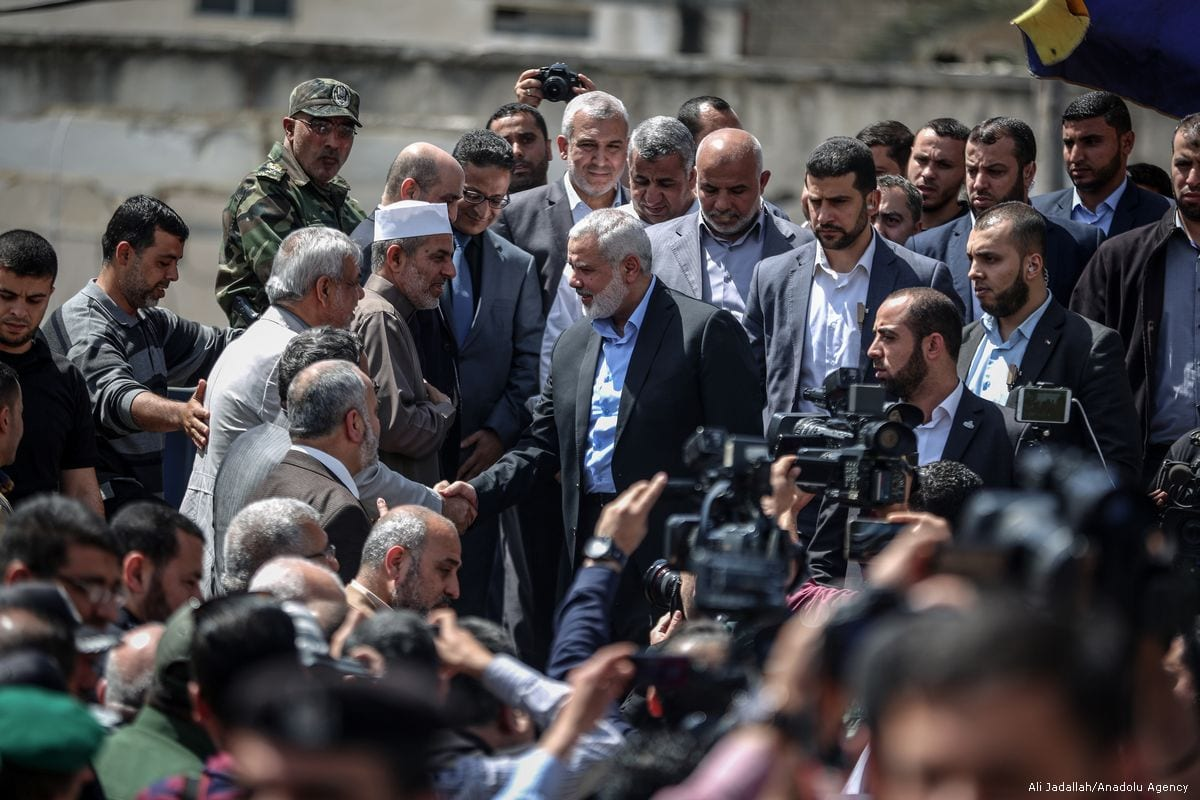Image of Ismail Haniyeh (C) talking to press in Gaza on May 8, 2017 [Ali Jadallah/Anadolu Agency]