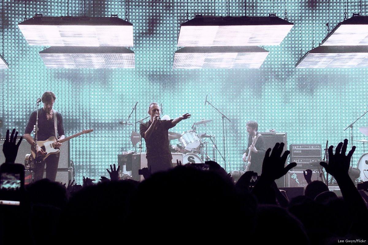 Rock band Radiohead perform live on 11 November 2012 [Lee Gwyn/Flickr]