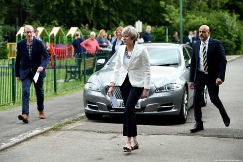 Conservative Party leader Theresa May and husband Philip arrive at a polling station to vote on June 8, 2017 in Maidenhead, United Kingdom [Kate Green / Anadolu Agency]