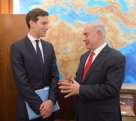 Israel's Prime Minister Benjamin Netanyahu (R) meets with Jared Kushner (L) in Jerusalem on 21 June 2017 [Handout / Amos Ben Gershom / GPO]