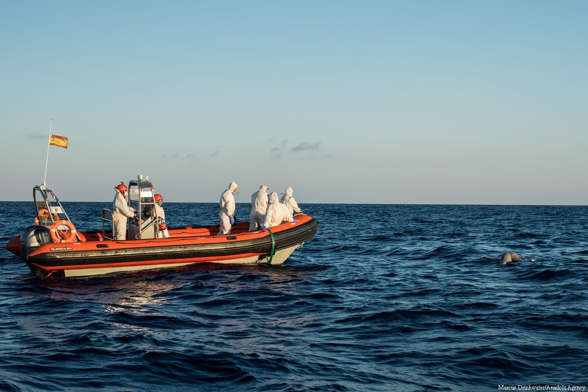 5 dead, 50 missing as smugglers throw 180 migrants into sea