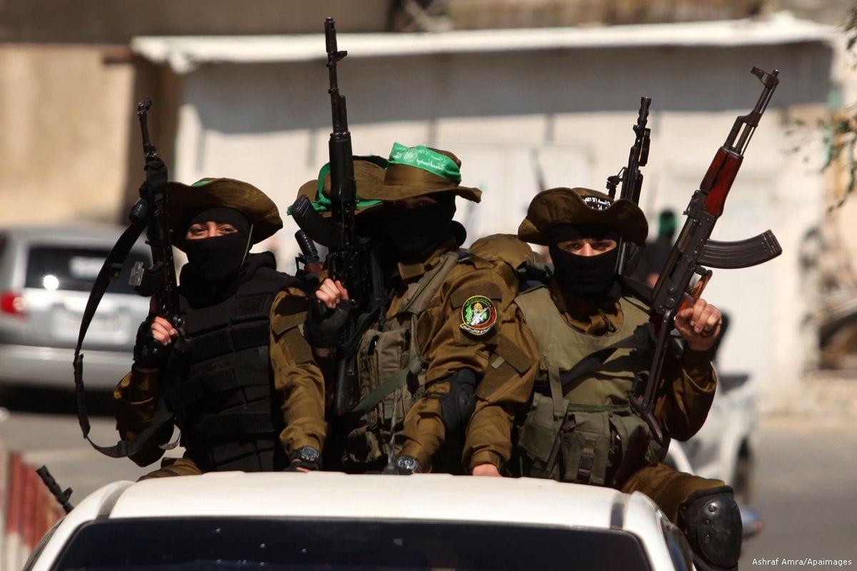 Members of the Hamas military wing, Ezzedine al-Qassam Brigades on 26 March 2017 [Ashraf Amra/Apaimages]