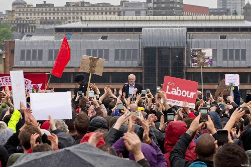 Supports of Labour leader, Jeremy Corbyn, attend a rally on 5th June 2017 [Ren/Flickr]