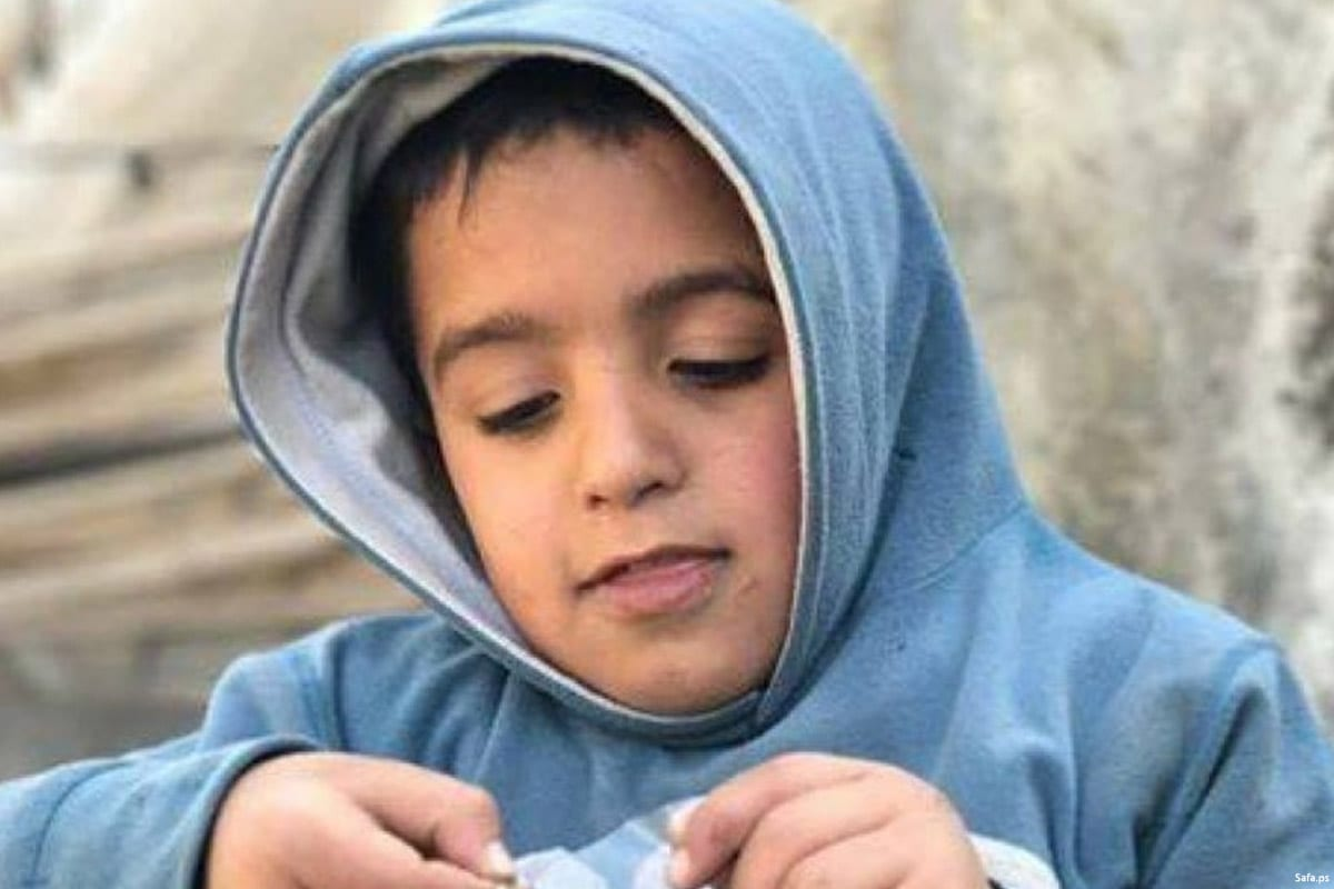 Image of eight-year-old Palestinian, Bashar Ghazal, who was handcuffed and injured by Israeli settlers [Safa.ps]