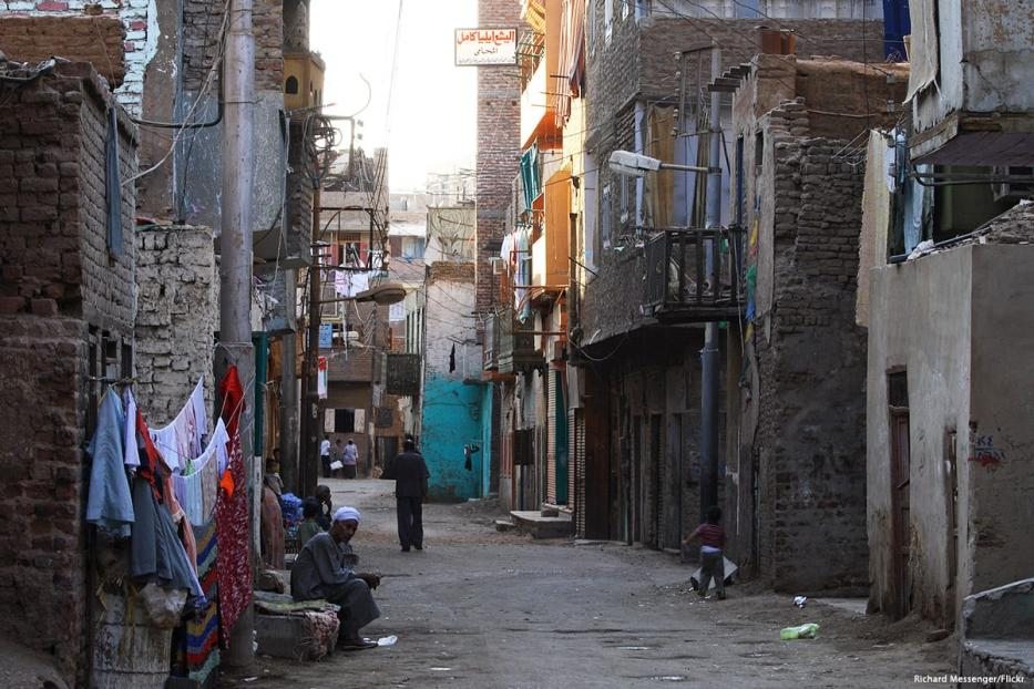 Image of the cramped and poor living conditions residents face in Luxor,, Egypt [Richard Messenger/Flickr]