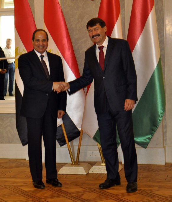 Hungarian President Janos Ader (R) meets with President of Egypt, Abdel Fattah el-Sisi (L) at the Sandor Palace in Budapest, Hungary on 3 July, 2017 [Mehmet Yılmaz/Anadolu Agency]