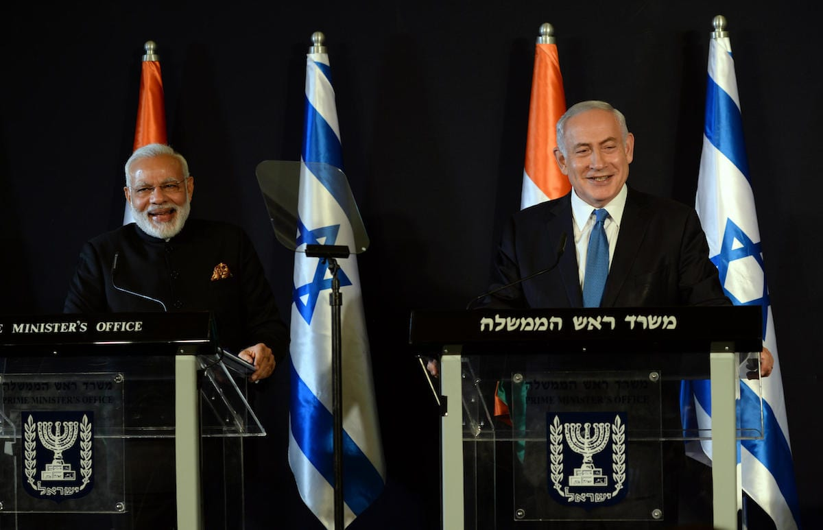 Israel's Prime Minister Benjamin Netanyahu (R) and Indian Prime Minister Narendra Modi (L) hold a joint press conference following their meeting in Jerusalem on 5 July 2017 [Haim Zach/GPO / Handout /Anadolu Agency]