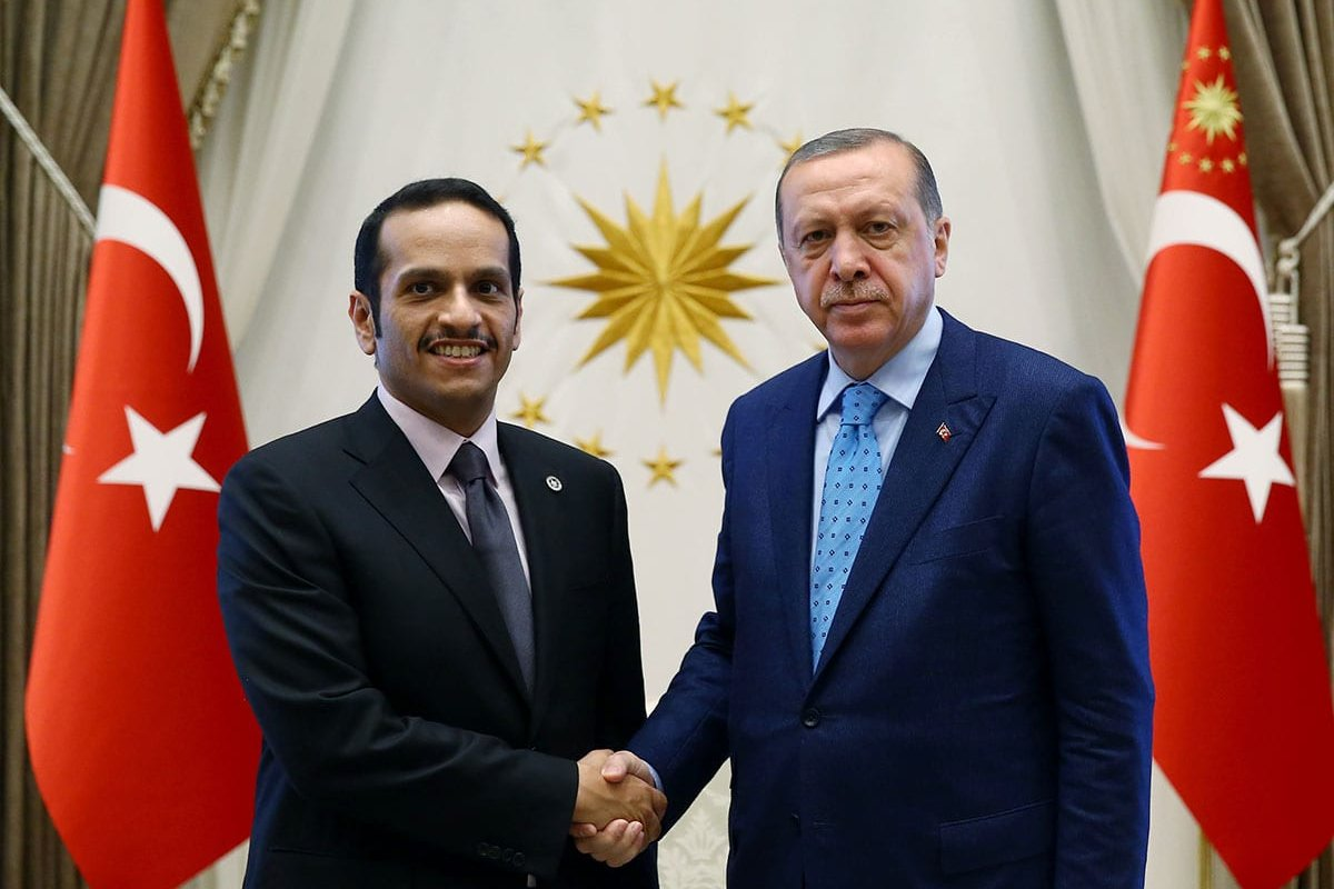 Turkish President Recep Tayyip Erdogan (L) meets with Foreign Minister of Qatar Mohammed bin Abdulrahman bin Jassim Al-Thani (R) in Ankara, Turkey on 14 July 2017 [Murat Kula/Anadolu Agency]