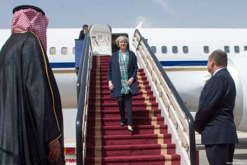UK Prime Minister, Theresa May, arrives in Saudi Arabia on 4 April 2017 [Number 10/Flickr]