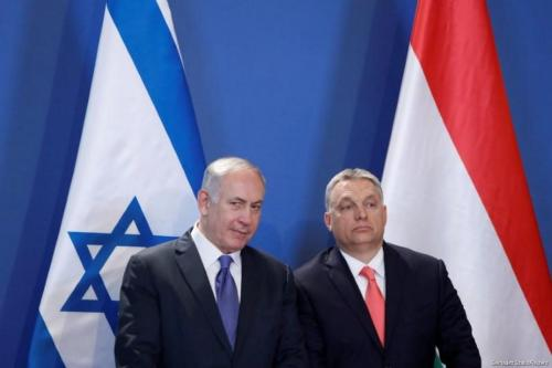Hungarian Prime Minister Viktor Orban (R) and Israeli Prime Minister Benjamin Netanyahu attend a news conference in Budapest, Hungary, 18 July, 2017 [Bernadett Szabo/Reuters]