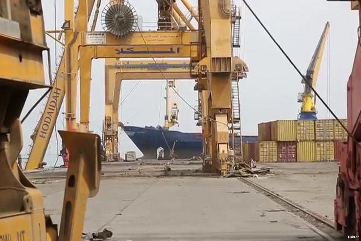 Aid relief arrives at the port of Hudaydah, Yemen on 21 May 2017 [Twitter]