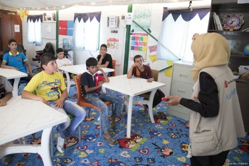 A makeshift school in Jordan's Za'atari refugee camp which is home to 80,000 Syrian refugees [Save the Children]
