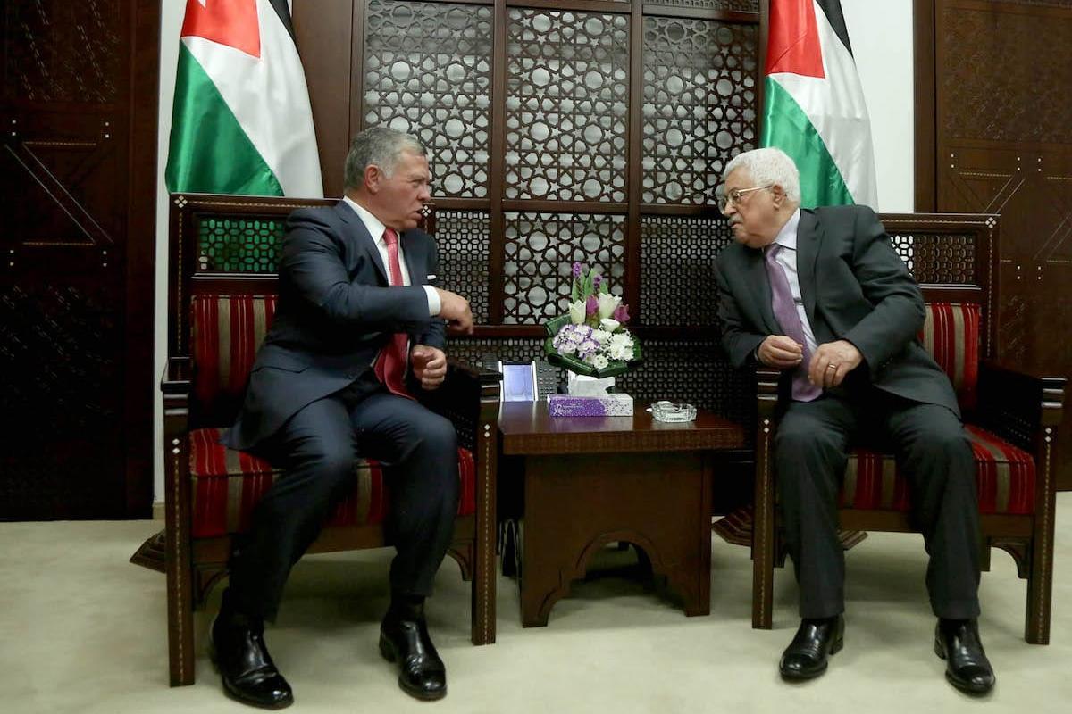 King Abdullah II bin al-Hussein (L) of Jordan meets with President of Palestine, Mahmoud Abbas (R) at Presidency building in Ramallah, West Bank on 7 August 2017. [Issam Rimawi - Anadolu Agency]