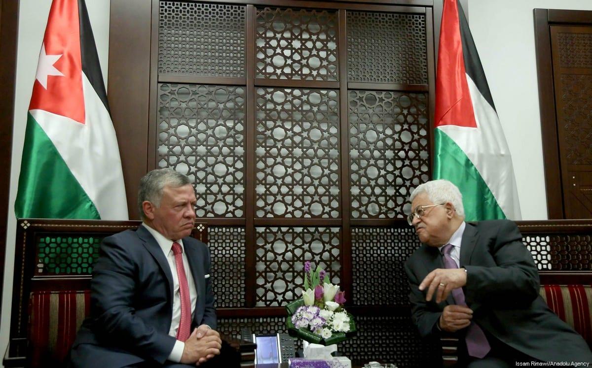 King Abdullah II (L) of Jordan meets with President of Palestine, Mahmoud Abbas (R) at Presidency building in Ramallah, occupied West Bank on 7 August 2017. [Issam Rimawi/Anadolu Agency]