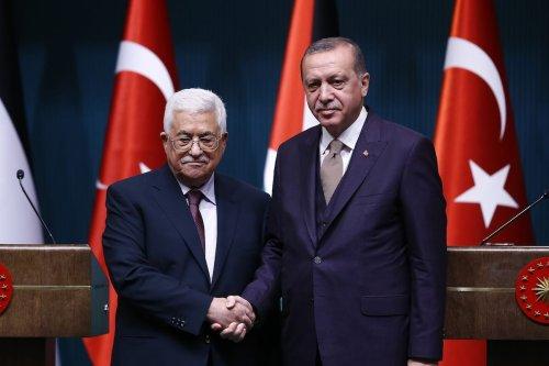 President of Turkey, Recep Tayyip Erdogan (R) and President of Palestine, Mahmoud Abbas (L) hold a joint press conference in Ankara, Turkey on 28 August 2017 [Mehmet Ali Özcan/Anadolu Agency]