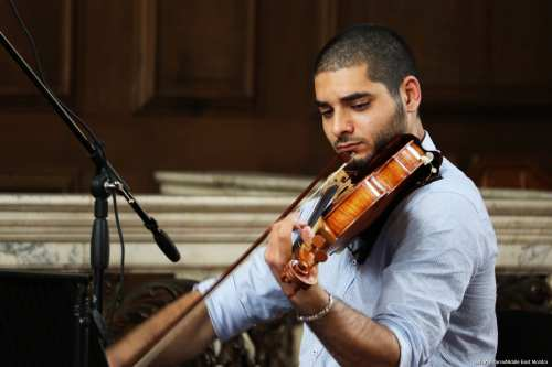 Omar Saad rehearsing ahead of a concert in London [Jehan Alfarra/Middle East Monitor]