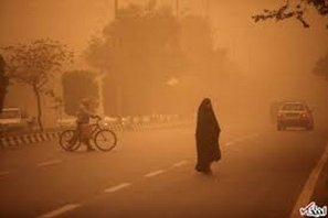 Thick smoke is seen in the Ahwazi region which is blamed on the oil companies in Iran [Rahim Ahwaz]