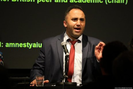 Palestinian activist Issa Amro at an event organised by Amnesty International and the Palestine Solidarity Campaign in London, UK, on 25 September 2017. [Jehan Alfarra/Middle East Monitor]