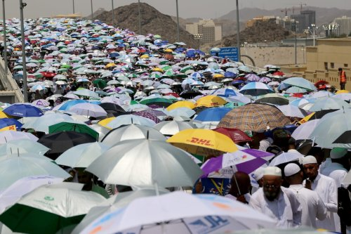 Prospective pilgrims arrive to stone Jamarat pillars that symbolize the devil as a part of the annual Islamic Hajj pilgrimage during the first day of Eid Al-Adha (Feast of Sacrifice) in Mecca, Saudi Arabia on 4 September, 2017 [Ramazan Turgut/Anadolu Agency]