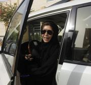 Saudis deny allowing female visitors to replace international driving licences with local version