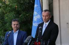 UN Special Coordinator for the Middle East Peace Process, Nikolai Mladenov (R) attends a press conference in Gaza on 25 September 2017 [Mohammed Asad/Middle East Monitor]