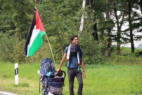 SwedishactivistBenjamin Ladra begins #WalkToPalestine campaign [Benjamin Ladraa]