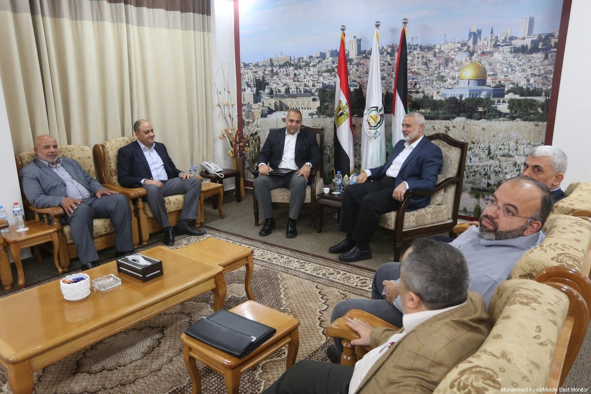 Hamas received an Egyptian delegation in the besieged Gaza Strip on 01 October 2017. [Mohammed Asad/Middle East Monitor]