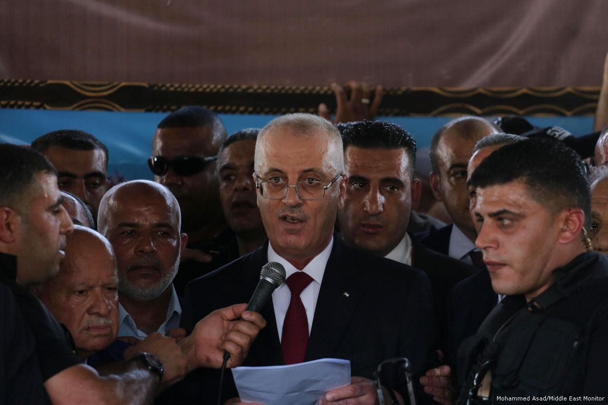 Palestinian Prime Minister, Rami Hamdallah delivers a press conference in Gaza on 2 October 2017 [Mohammed Asad/Middle East Monitor]