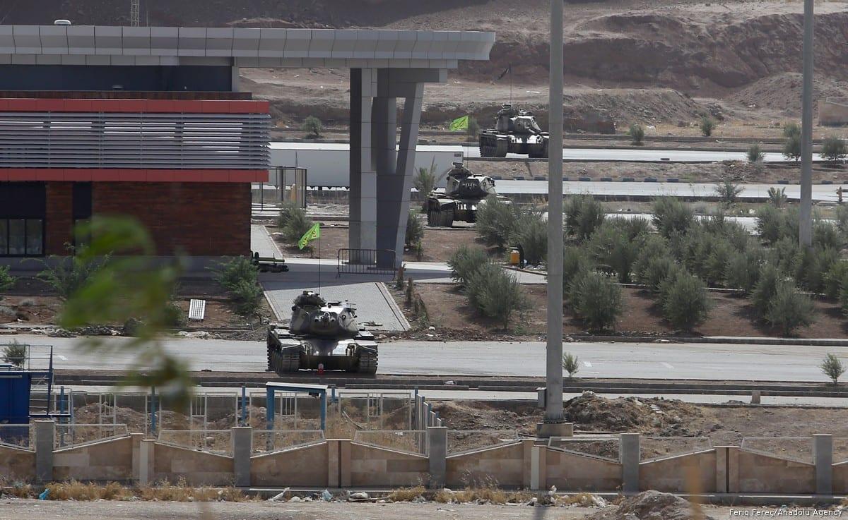 A tank of Iranian Army is deployed near Iraq-Iran border gate, in Sulaymaniyah, Iraq on 3 October, 2017 [Feriq Fereç/Anadolu Agency]