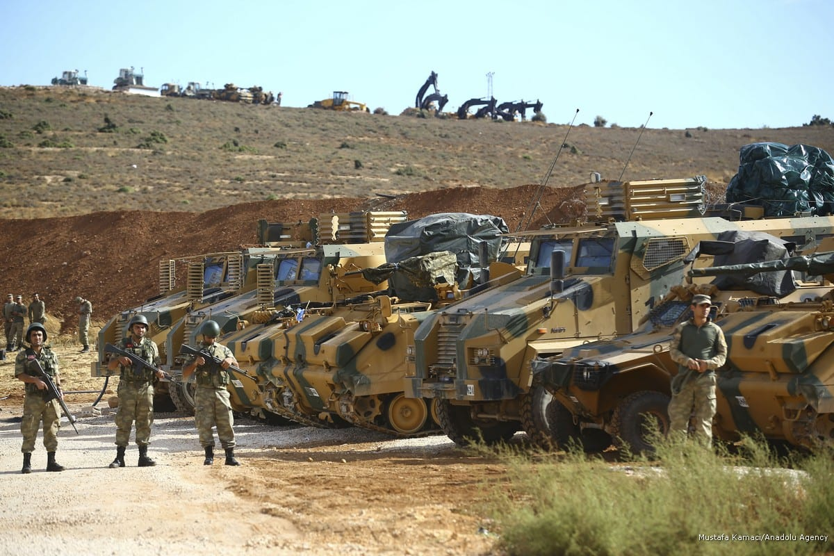 Turkish Army's armored vehicles head to the Turkey's Syria border due to ongoing deployment to Idlib's de-conflict zone in Hatay, Turkey on 10 October, 2017 [Mustafa Kamacı/Anadolu Agency]