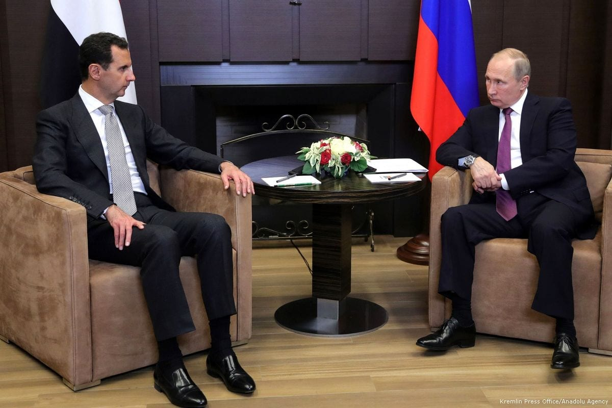 Russian President Vladimir Putin (R) meets with Syrian President Bashar al-Assad (L) in Sochi, Russia on 21 November 2017 [Kremlin Press Office/Anadolu Agency]