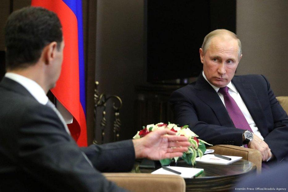 Russian President Vladimir Putin (R) meets with Syrian President Bashar al-Assad (L) in Sochi, Russia on 21 November 2017 [Kremlin Press Office/Anadolu Agency]