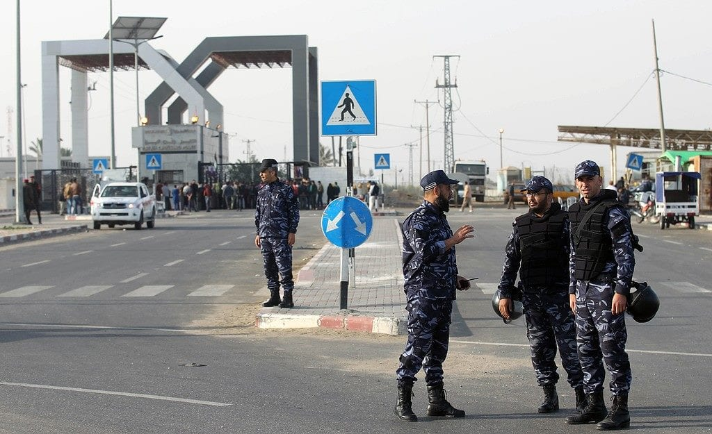 Palestinian Authority takes control of Gaza, Egypt border crossing