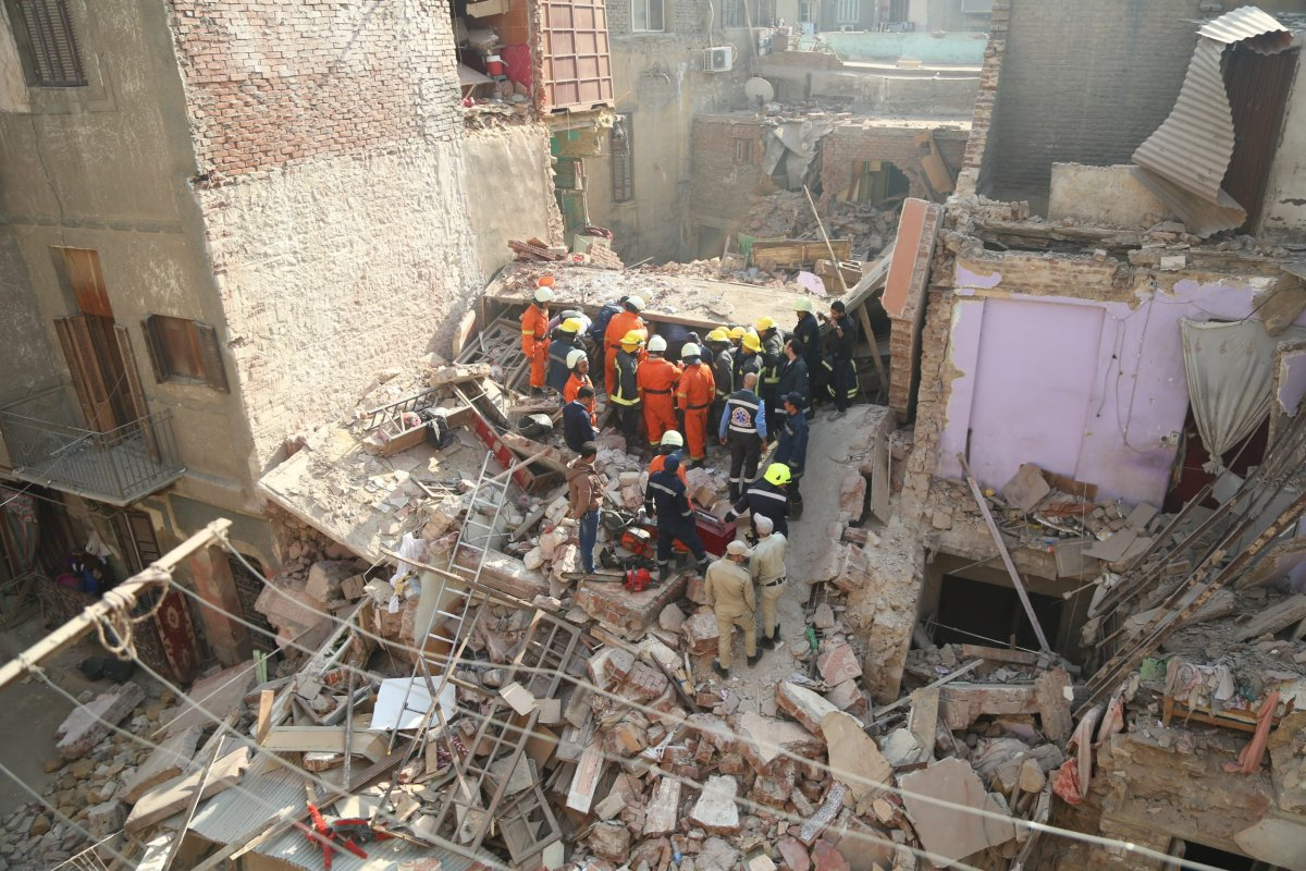 A building collapsed in Cairo, Egypt on 12 December 2017 [Fared Kotb/Anadolu Agency]