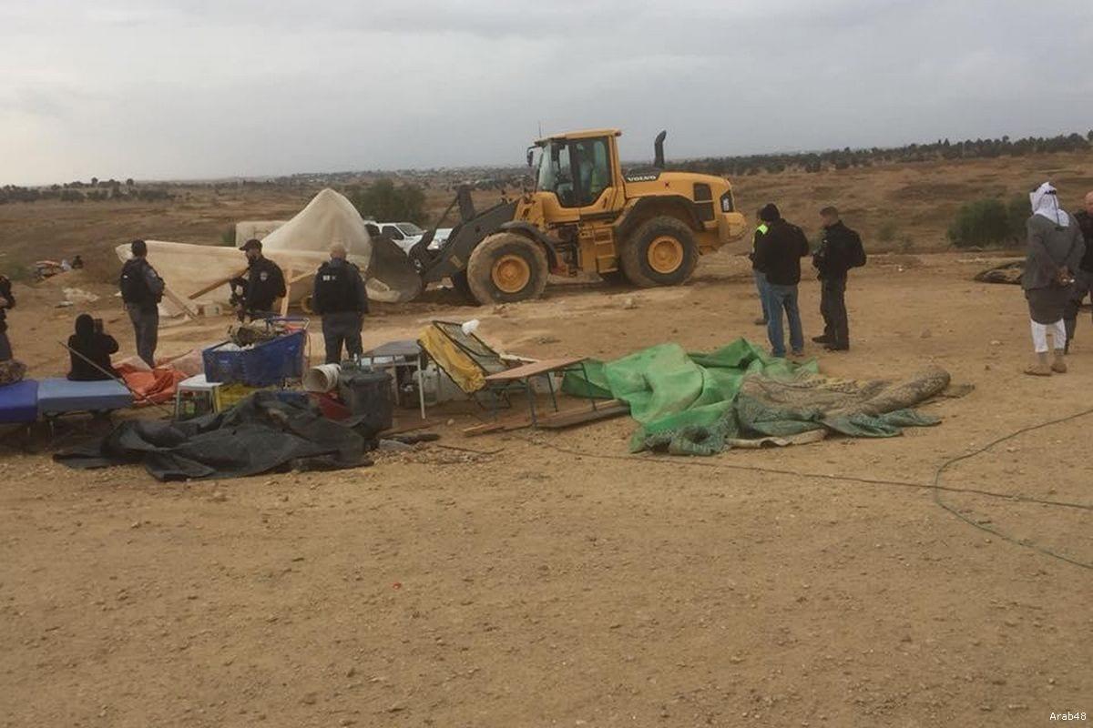 Israeli forces have left Palestinians homeless as they demolished Al-Araqeeb [Arab48]