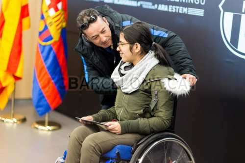 Syrian refugee Nujeen Mustafa, 18, who suffers from cerebral palsy was invited by Barcelona FC to meet the team and watch them play Celta Vigo on December 14, 2017 [FCBarceleno]