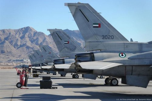 F-16 Desert Falcons from the UAE air force are lined up on the flightline after returning from a mission during the Red Flag training excercise with the US air force, on January 31, 2011 [US Air Force photo/Staff Sgt. Benjamin Wilson]