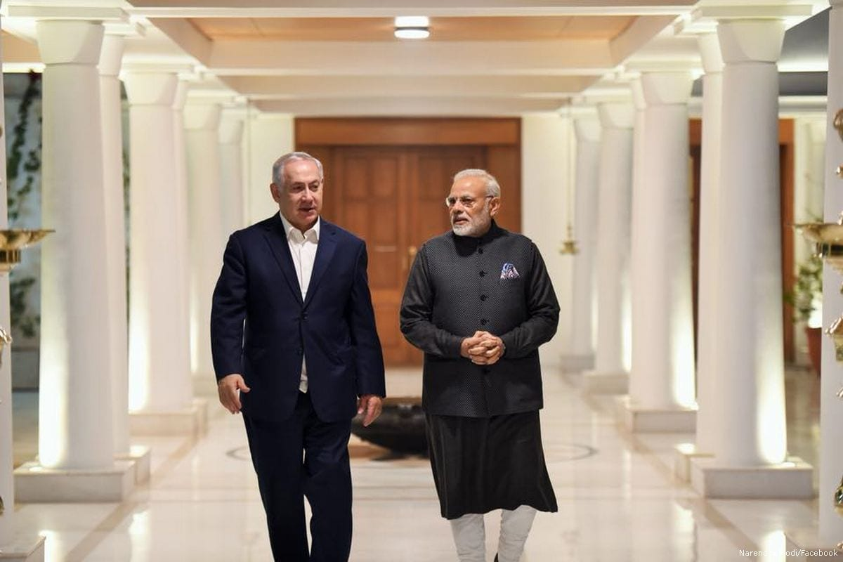 Israeli Prime Minister Benjamin Netanyahu (L) and Indian Prime Minister Narendra Modi (R) seen in January 2018 [Narendra Modi/Facebook]