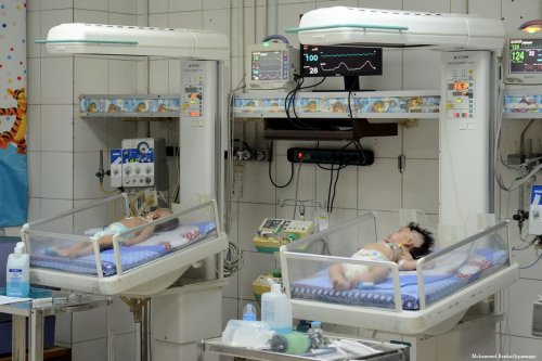 Egyptian newborn babies can be seen in incubators at a hospital in Cairo, Egypt [Mohammed Bendari/Apaimages]