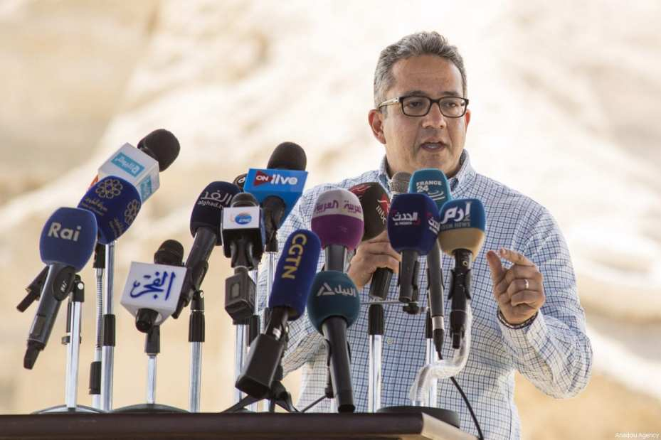 Egypt's Minister of Antiquities, Khaled Al-Enani makes a speech after 3,000-Year-Old 8 pharaohs' tomb was dug out during archaeological excavations, is seen in Minya, Egypt on February 24, 2018 [İbrahim Ramadan / Anadolu Agency]