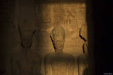 Sun `rises` on Ramesses II statue in Egypt