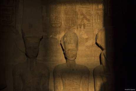 Sun `rises` on Ramesses II statue in Egypt